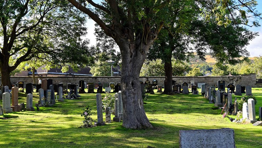 Kyrkogårdsarbete